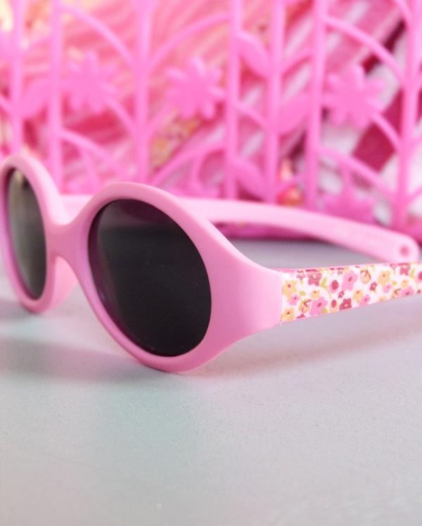 Monture de lunettes de soleil bébé au masking tape