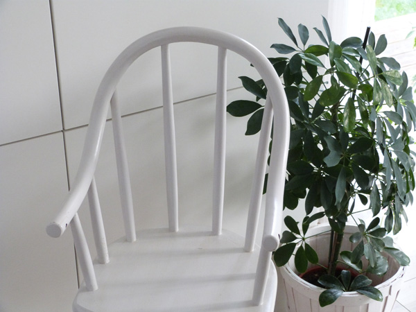 chaise-haute blanc et bois