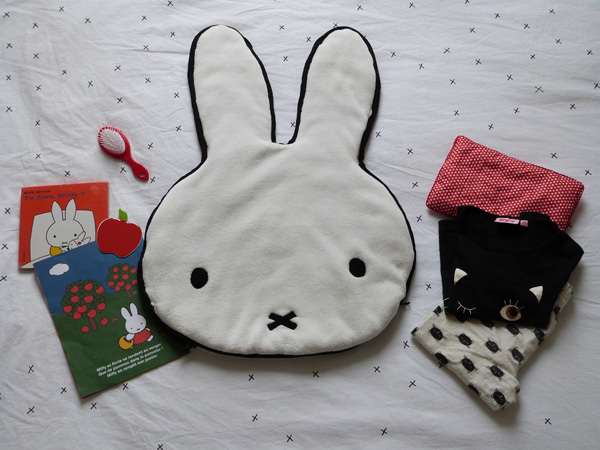 tu dors miffy range pyjama coussin sac couture turbulences. Black Bedroom Furniture Sets. Home Design Ideas