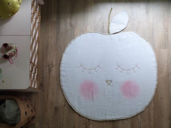 tapis pomme chambre enfant