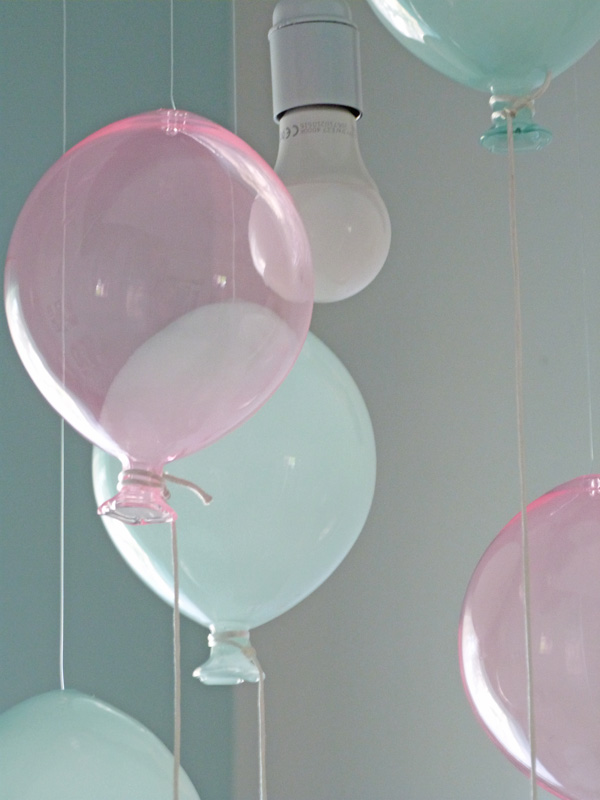 Une suspension gonfl e couture turbulences for Diy deco chambre bebe