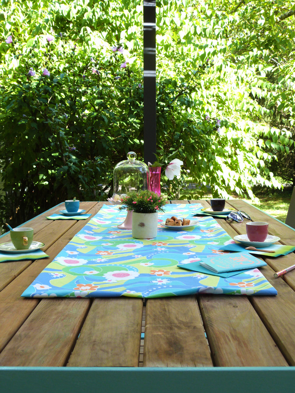 jolie table de jardin