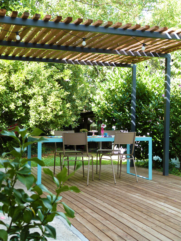 L 39 t au jardin table terrasse et pergola homemade for Photo pergola bois