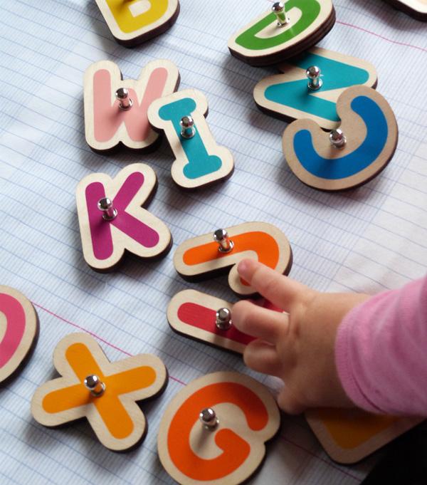 lettres en bois pour tablettes