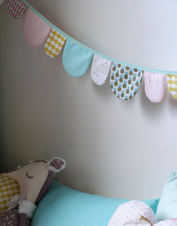 sacllop fabric garland