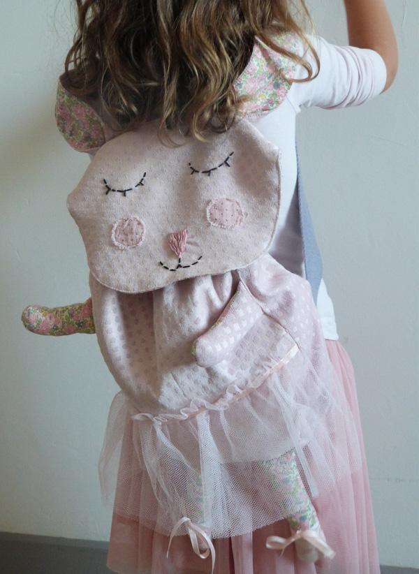 sac à dos lapin danseuse