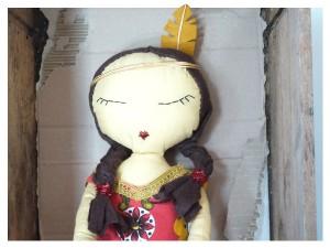 Sioux-Hélène la poupée indienne